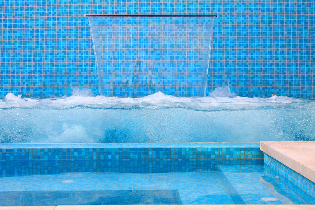 Uran_Escape_Pools_Landscaping_Spa_Water_feature